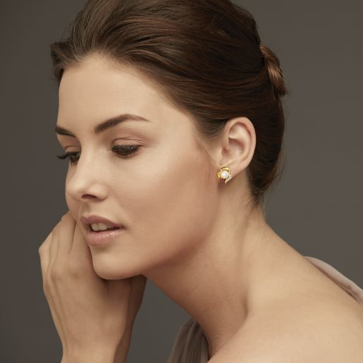 Diamond , White Pearl And Ruby Earring In Yellow Gold (3.86 Gram)
